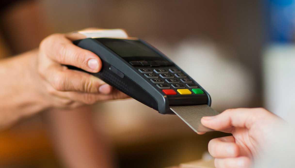 In arrivo il Bonus Pos : dal 1 dicembre sconto 10% per chi paga con carta
