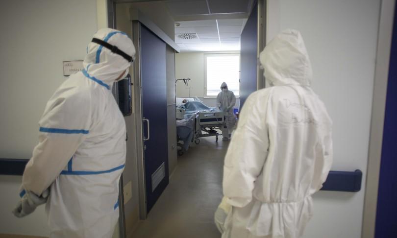 Covid-19, Bollettino oggi 08/01 : 17.533 nuovi casi e 620 vittime