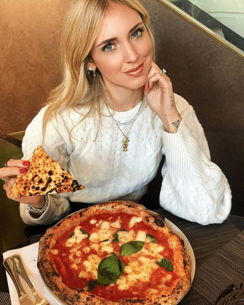 I clienti sono trattati tutti uguali : Chiara Ferragni snobbata in pizzeria