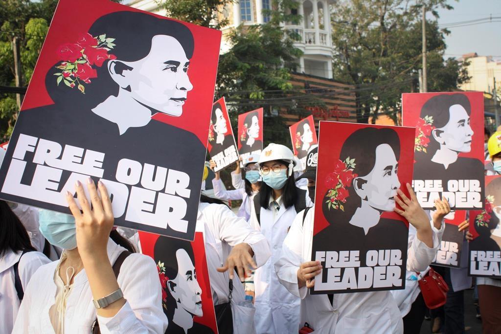 Arresti di massa durante le proteste in Myanmar