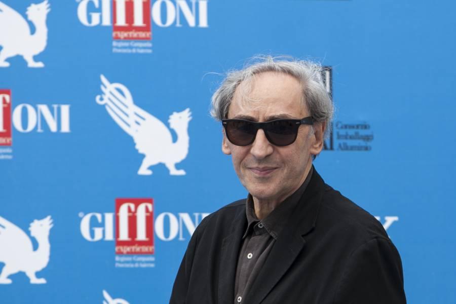 Morto a 76 anni Franco Battiato : Addio al maestro, era malato da tempo