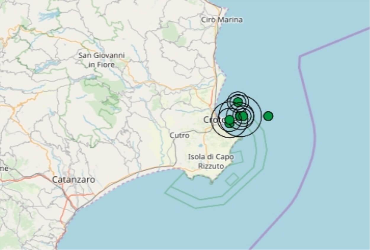 Terremoto Oggi Sud Italia : due scosse ravvicinate magnitudo 3.9