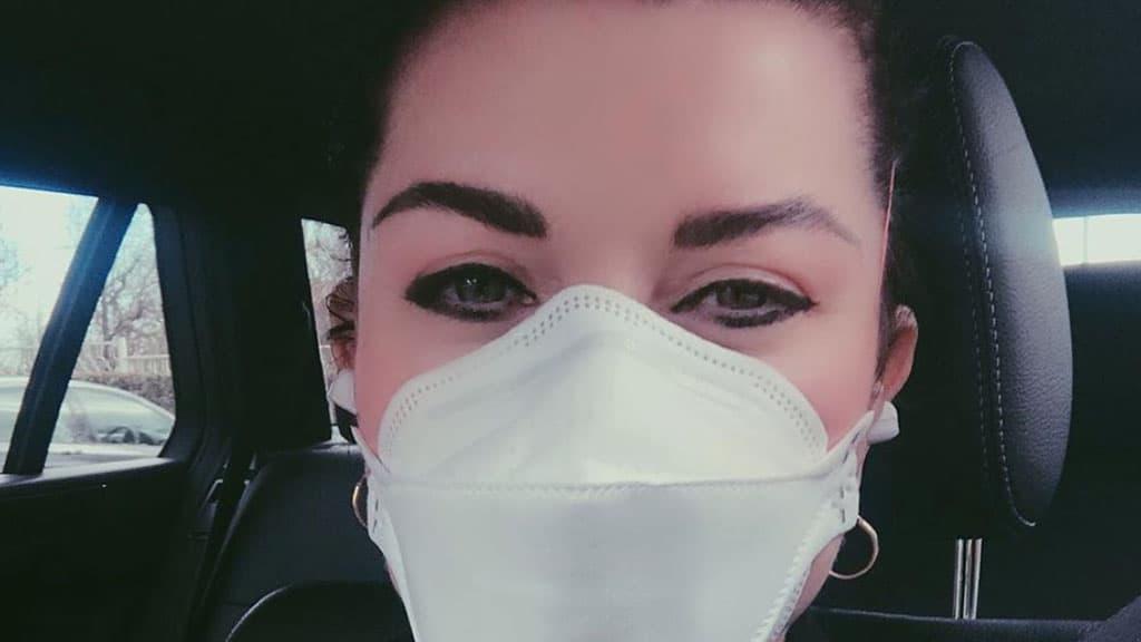 Emergenza Coronavirus, Alba Parietti contro il virologo : S'informi prima di parlare